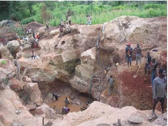 una mina de coltán