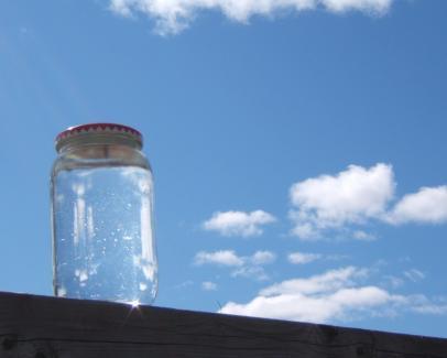 jarra llena de agua